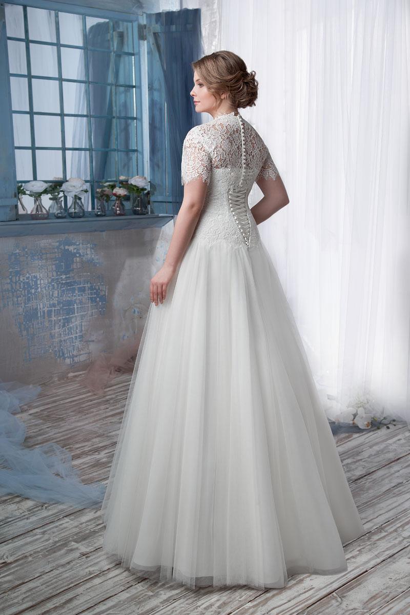 Платья корсетом и рукавами